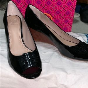 Tory Burch size 8 Black patent peep toe wedges